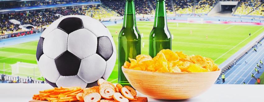 Grillbuffet und Fußball schauen